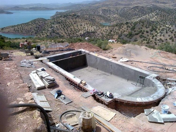 pool construction maintenance company - 6