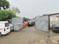 busy garage business north - 1
