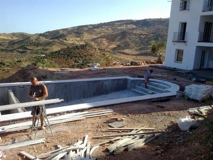 pool construction maintenance company - 7